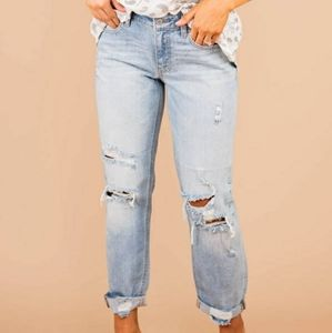 American Eagle AEO Boy Jean Tomgirl Distressed Cropped Ankle Jeans